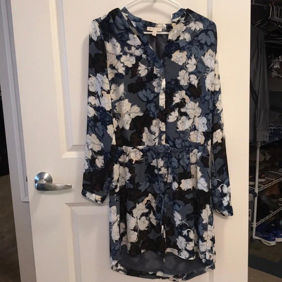 Lila Rose floral dress. M 5ab903ee8df470a3ef96665c 5d89f2362